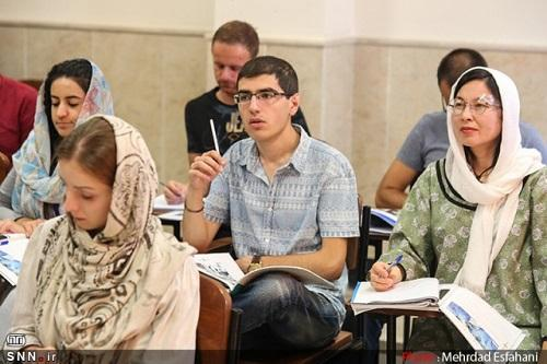 مقیه: مانع ورود دانشجویان خارج از کشور به دانشگاه های علوم پزشکی شوید