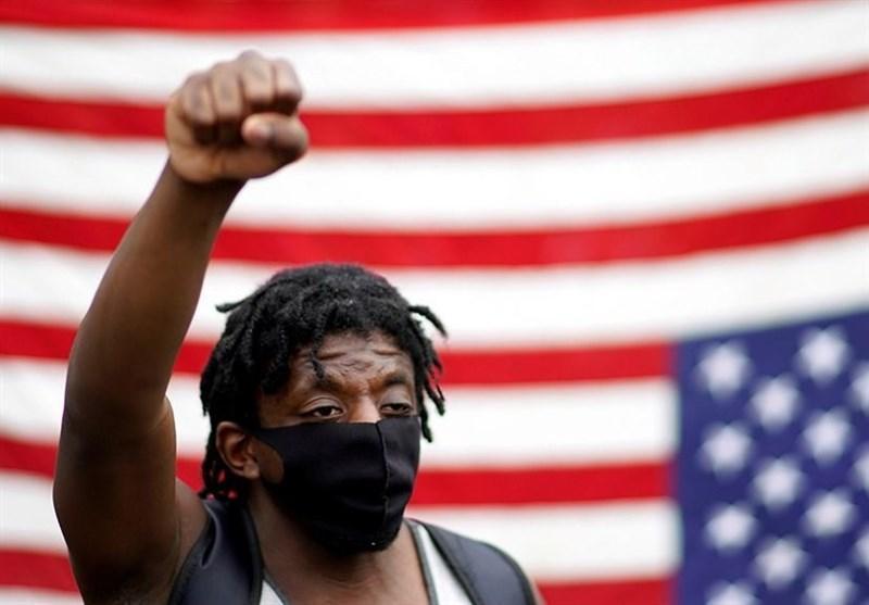 استاد دانشگاه: موضوع نژادپرستی در فرهنگ آمریکا نفوذ کرده و صرفاً با قانون حل نمی شود