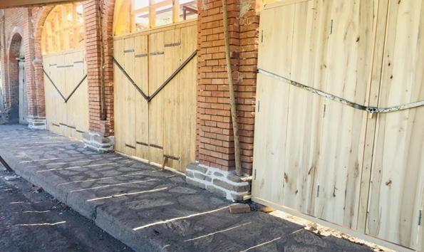 خاتمه بازسازی جداره مغازه های تپه تاریخی قالاباشی نقده