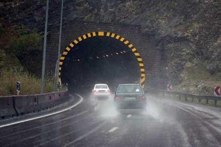 امروز 10 جاده مسدود داریم ، بارش برف و باران در جاده های 21 استان