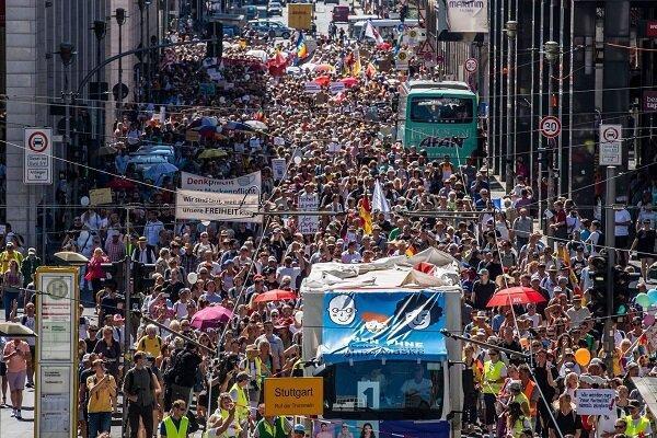 تجمع گسترده آلمانی ها در اعتراض به محدودیت های کرونایی