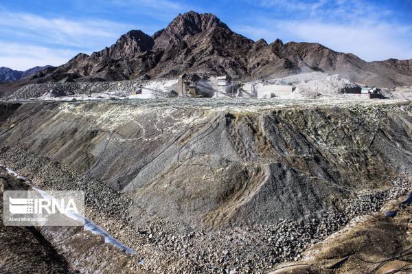 خبرنگاران اکتشاف سنگ آهن در3 گستره معدنی بزرگ اصفهان
